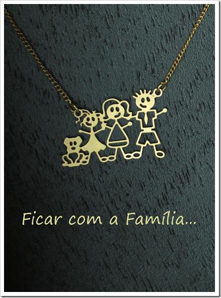 colar família feliz