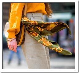 lenço na bolsa