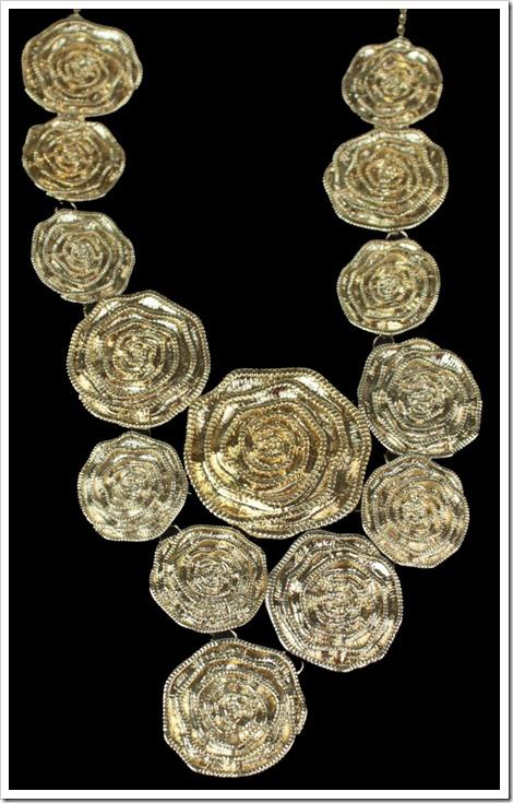 maxi colar dourado flores