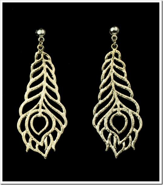 brinco dourado bijuteria pena de pavão peacook earring jewellery penelope acessorios