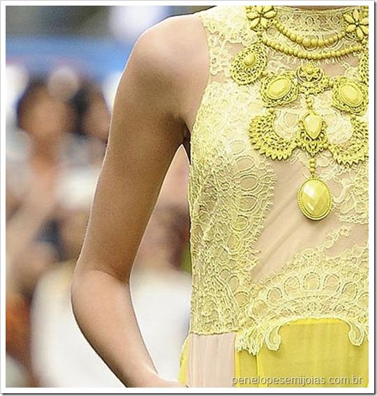 candy color trend acessórios bijuterias colares maxi colares bolsa clutch festa aneis cores pastel tendencia verão 2013 (14)