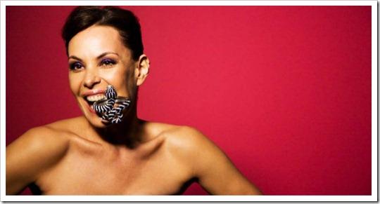 carolina ferraz revista lola maio 2012 - lolamag making-of acessórios e bijuterias pulseira bracelete serpente