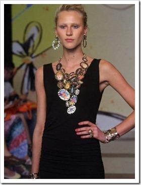 desfile Senac Rio Fashion Business - coleção primavera verão 2013 - francesca romana diana - tendência acessórios verão - La Gitane (25)