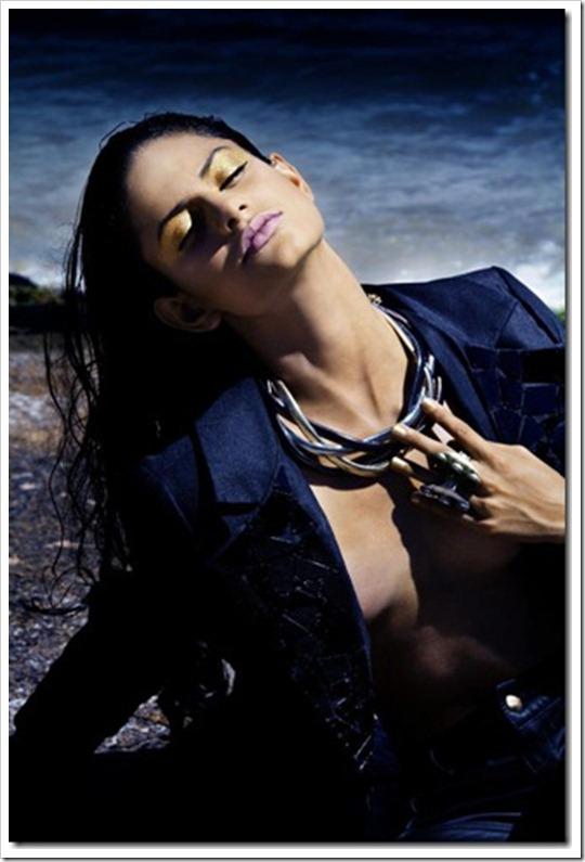Maxi Colar Trança coleção Nova York - Vogue Italia e revista House Mag