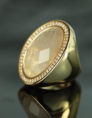 Semijoia Anel folheado a Ouro 18 K cravejado de Zircõnia e Pedra----