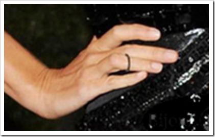 Gisele Budchen Joias-do-Met-Gala-2012 com anel de falange tendencia acessorios joias e bijuterias