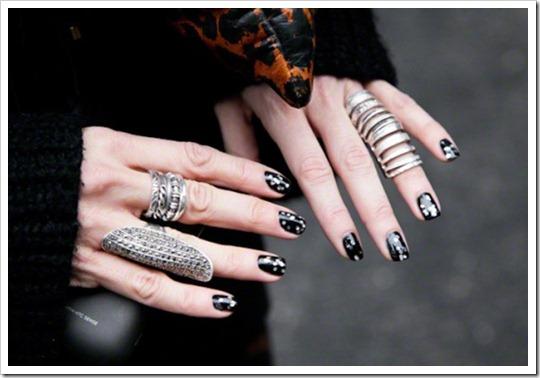 tendência acessórios anel falange mini aneis delicados anelismo skinny rings anéis meio do dedo deslocados (25)