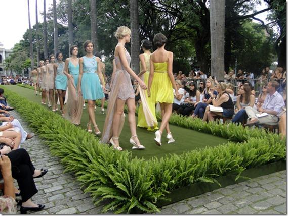 Vivaz Minas Trend vestidos de renda tendencia cores verão 2013 (3)